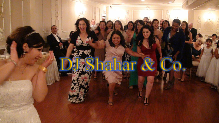 Wedding Disc Jockey in Southern California mixing American Arabic Israeli Persian and Latin music